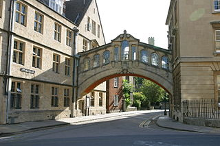 320px-Bridge_of_Sighs_(Oxford)